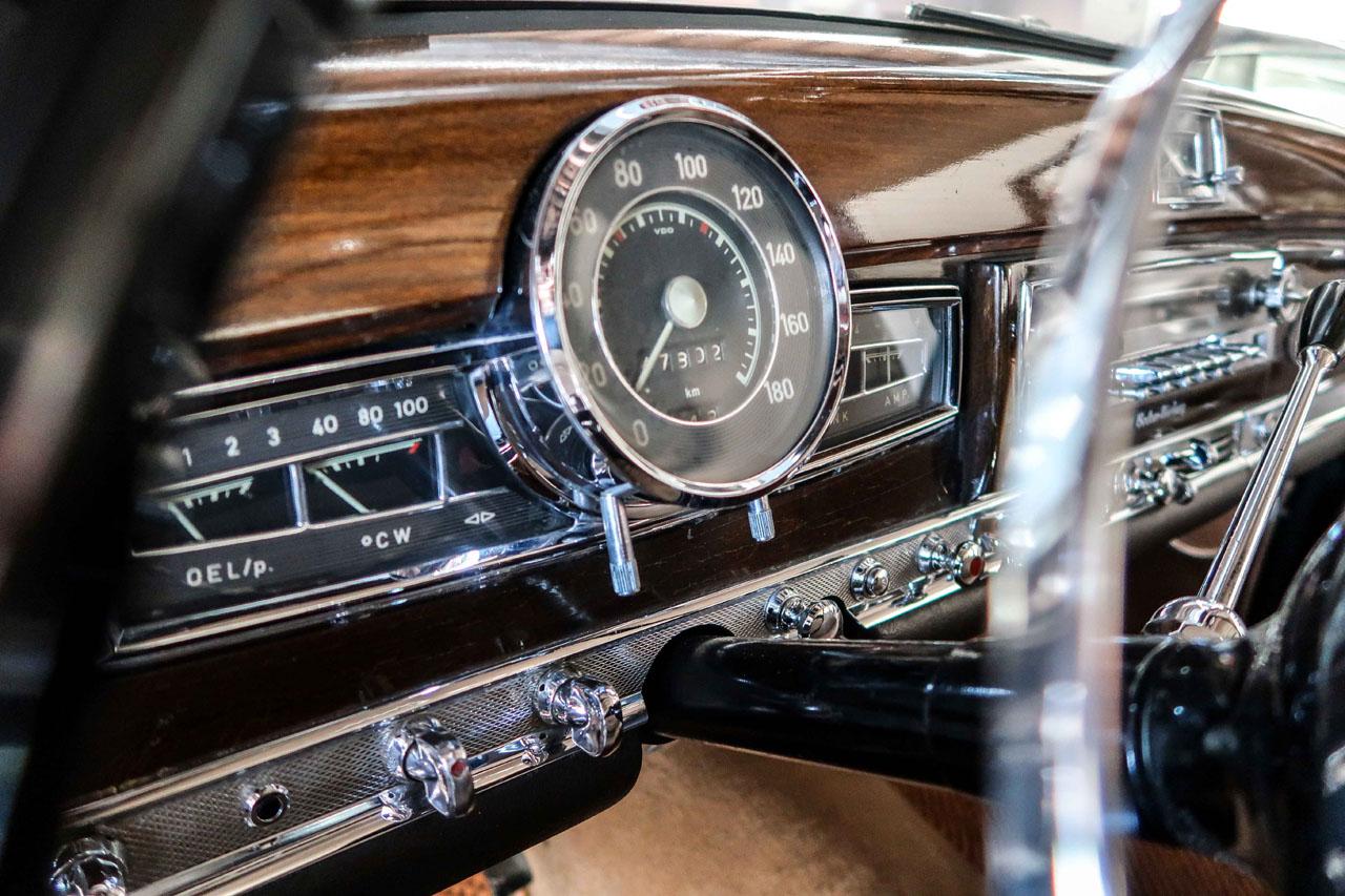 06-1957-1962-Mercedes-Benz-300-d.jpg