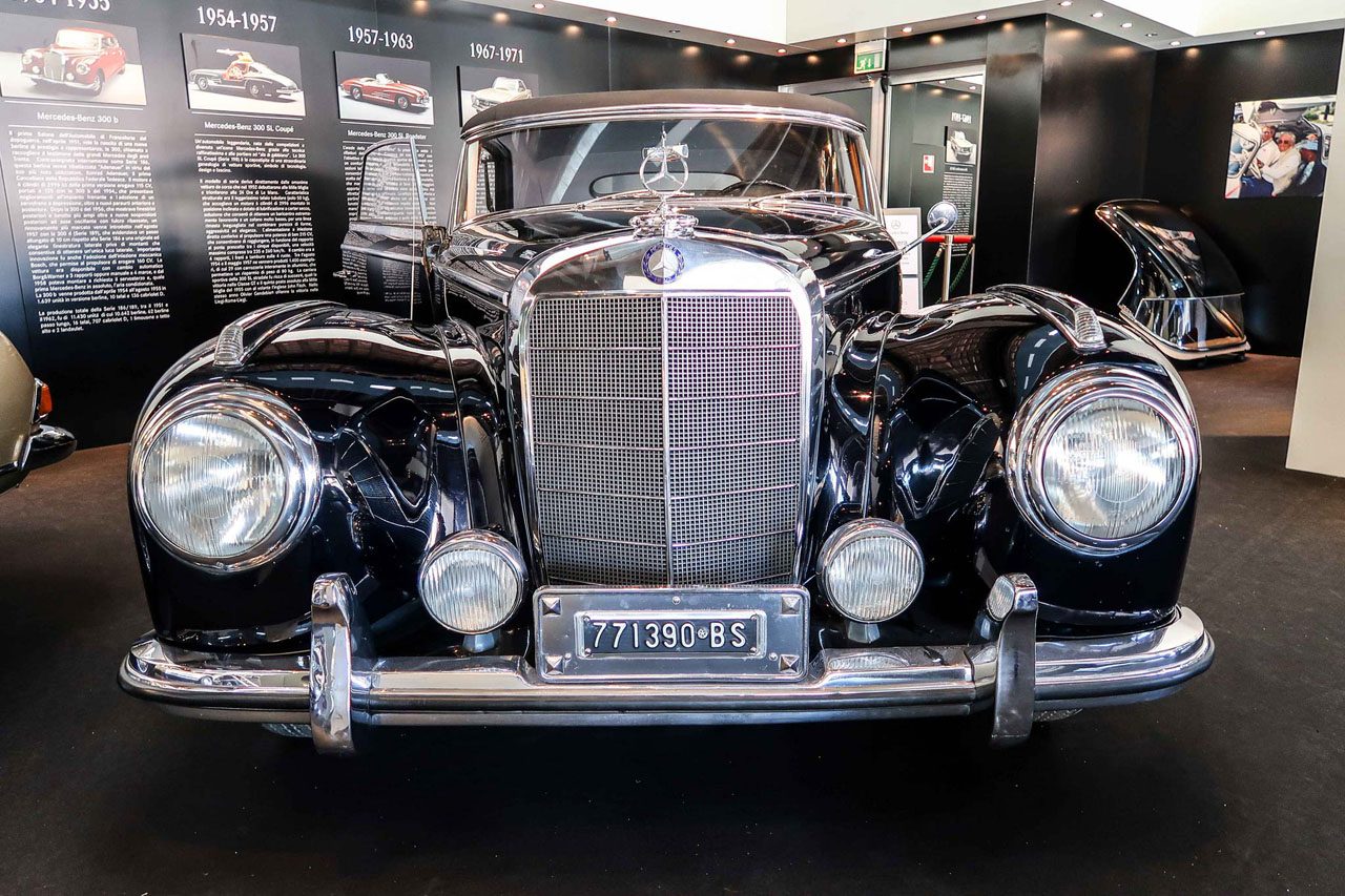 09-1952-1955-Mercedes-Benz-300-SL-Cabriolet-A.jpg