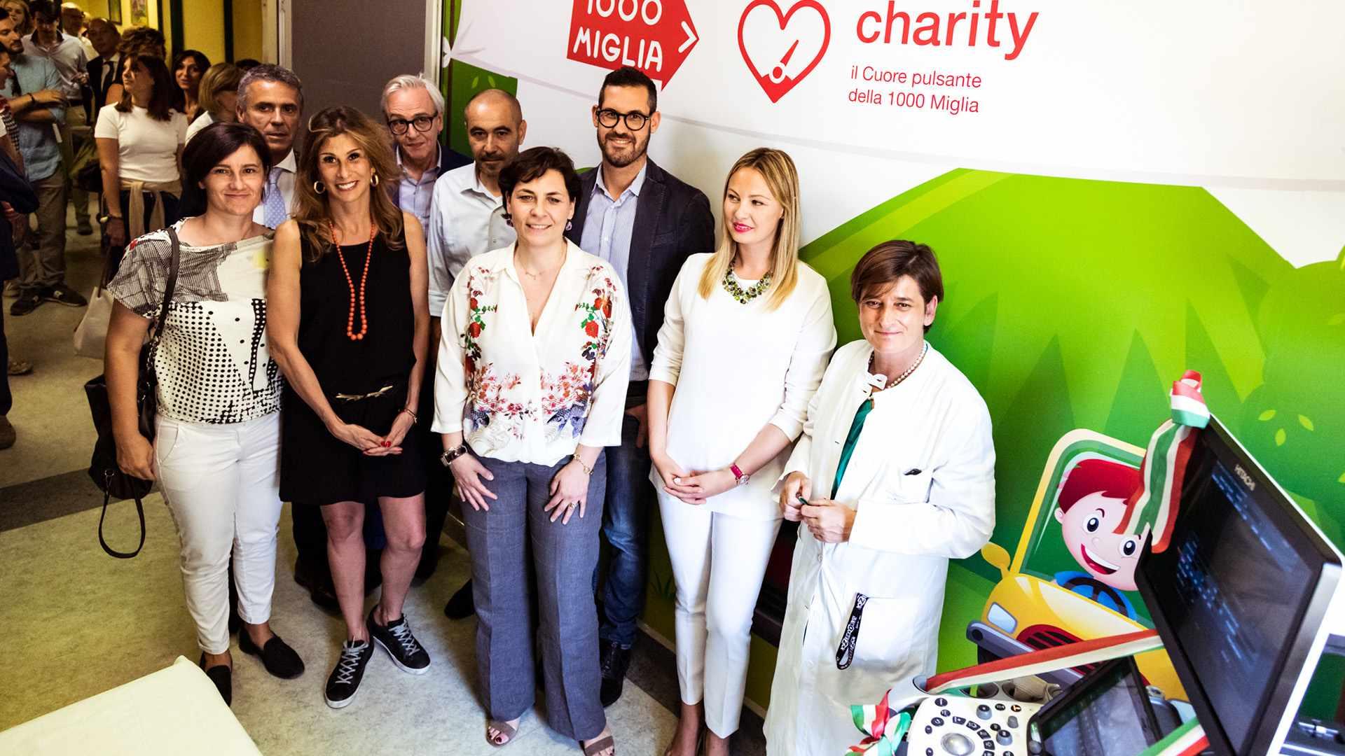 alisolidali_1000_Miglia_Charity_2018_Consegna_Ecografo_0007_IMG_8266.jpg