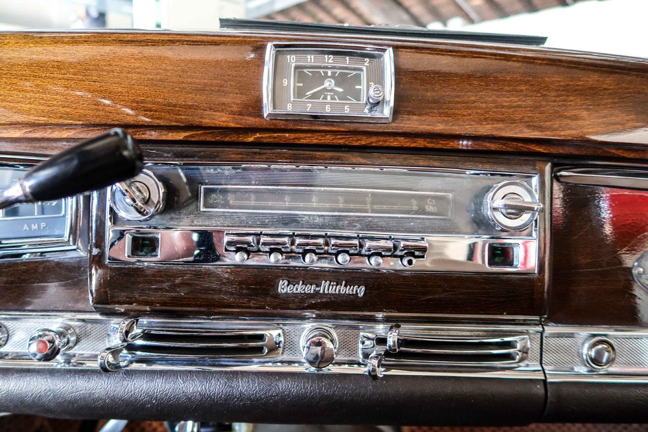 08-1957-1962-Mercedes-Benz-300-d.jpg